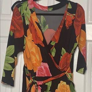 NWOT    QUUM Floral dress